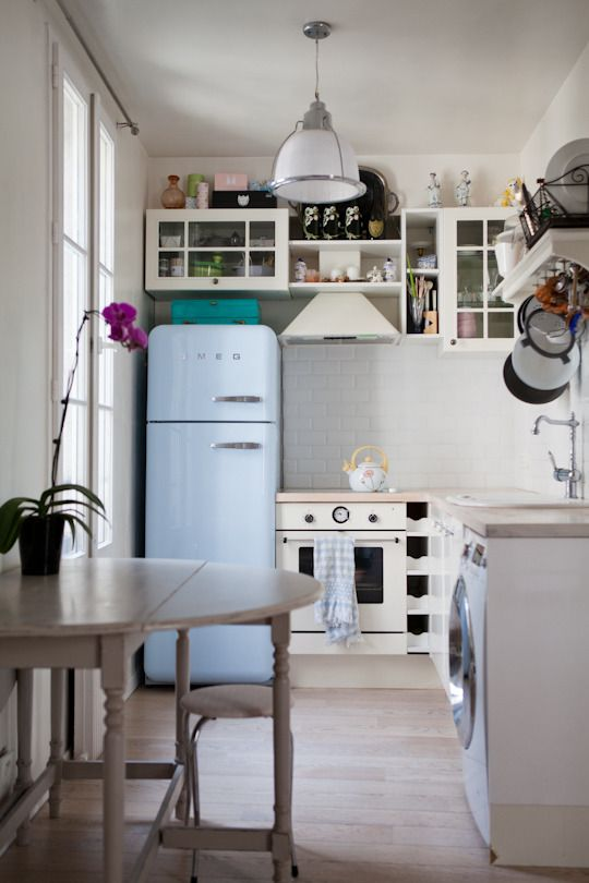 Get the Look: Charming Parisian Kitchen | Studio kitchen, Paris .
