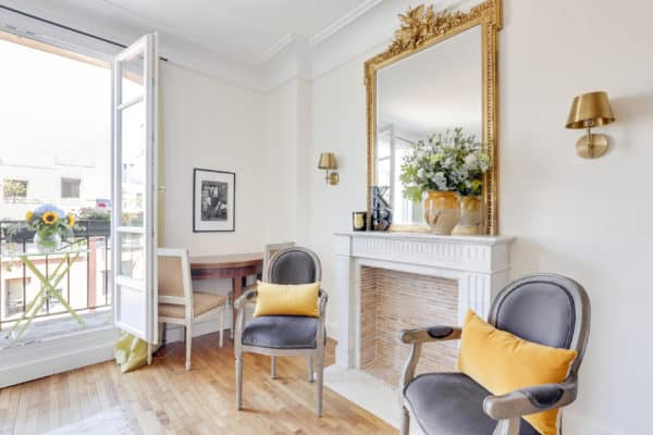 Before and after: a tiny Paris apartment breaks some rules — Paris .