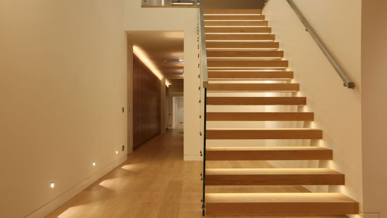 Staircase lighting design ideas | Real Hom
