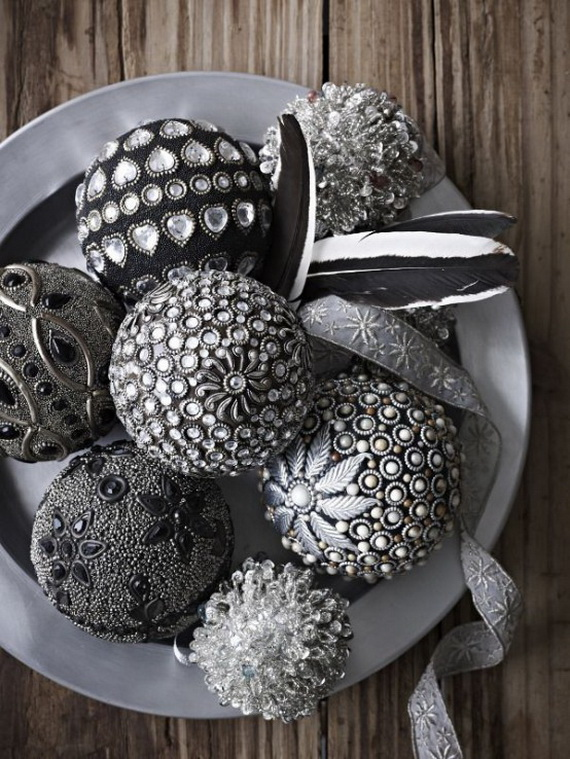 Stylish Christmas Décor Ideas In Grey Color and French Chic_59 .