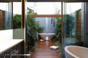 25 Inviting Tropical Bathroom Design Ideas | Home Design Lov