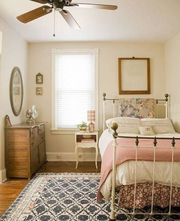 Country Cottage Bedrooms | Cottage/Country bedroom, quilts... so .