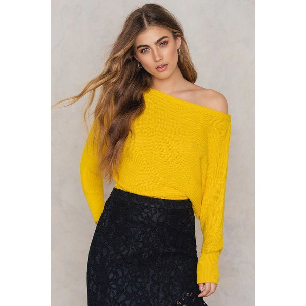 Lemon yellow off the shoulder knitted sweater lace skirt