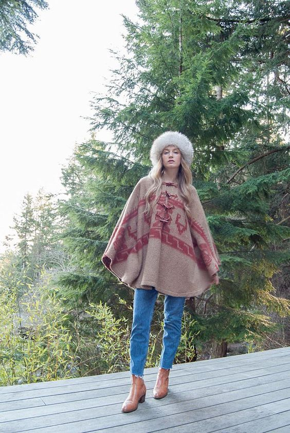 Hooded poncho vintage