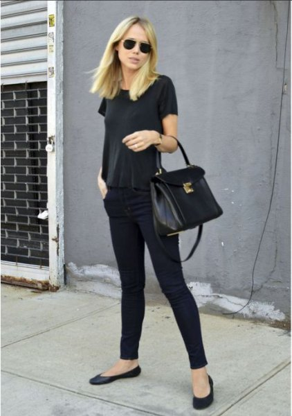 all black outfit with t-shirt skinny jeans and ballerinas