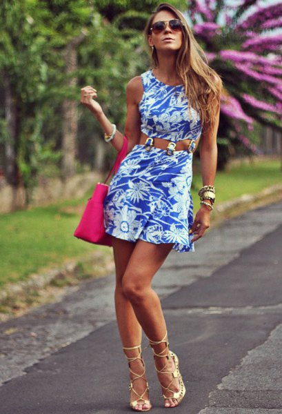 Strap dress with a floral pattern and pink open toe heels