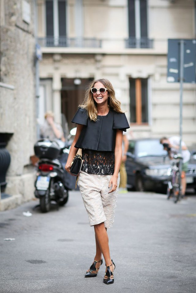 Embroidered Bermuda shorts