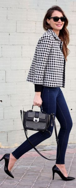 black and white checked blazer with skinny jeans and heels