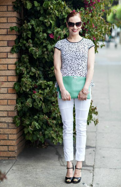 black and white patterned short-sleeved T-shirt with cropped trousers