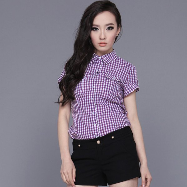 black and white checked short-sleeved shirt jeans shorts