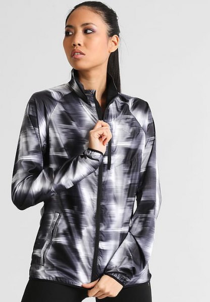 black and white printed windbreaker with leggings