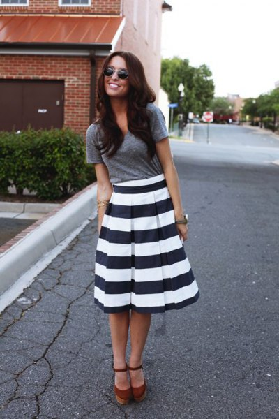 black and white striped flare midi dress gray t-shirt