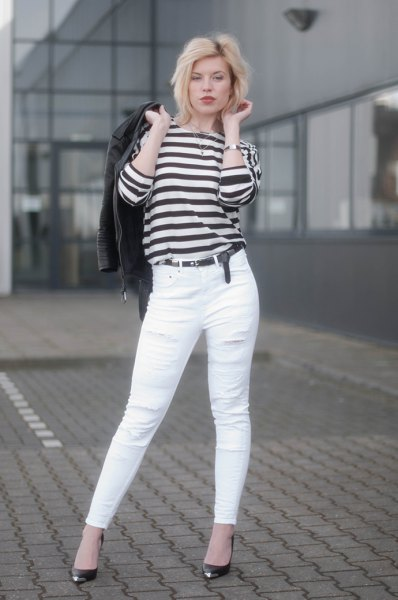 black and white striped long-sleeved T-jeans