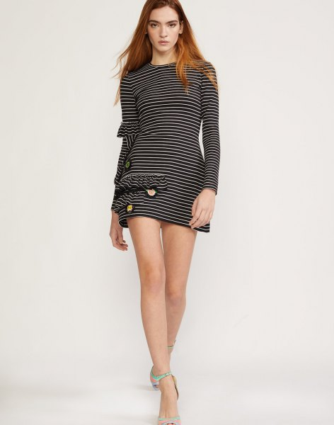 black and white striped mini long-sleeved jersey knit shirt