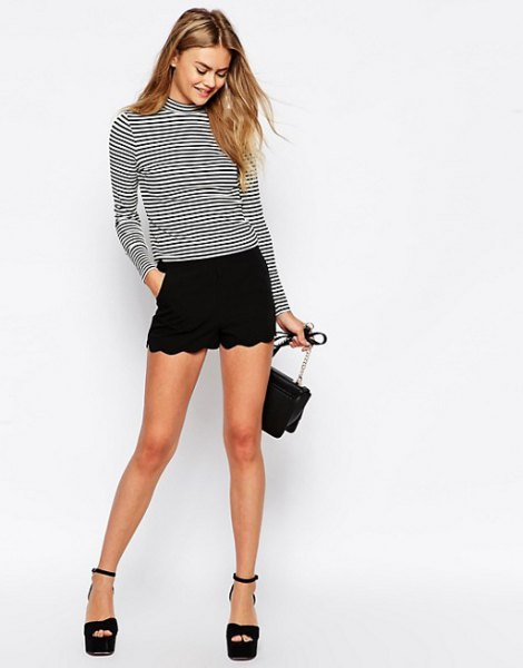 black and white striped mock-neck long-sleeved T-shirt