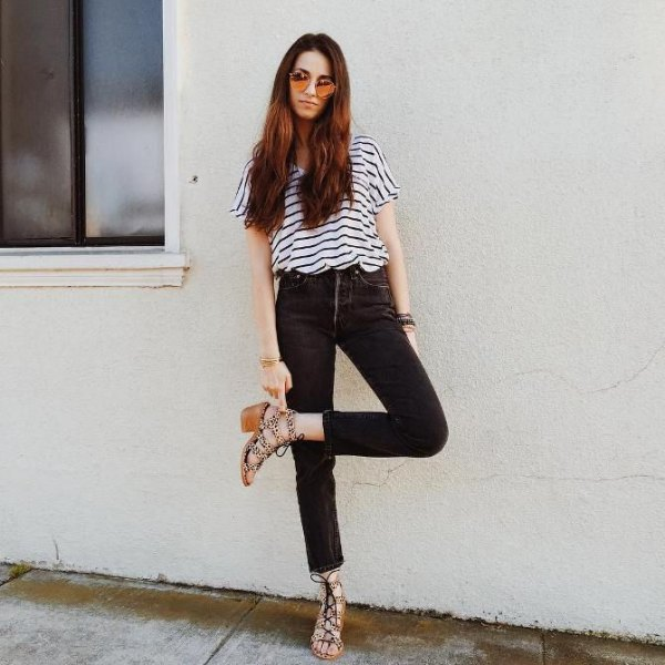 black and white striped short-sleeved T-shirt with high-waisted, narrow-cut jeans
