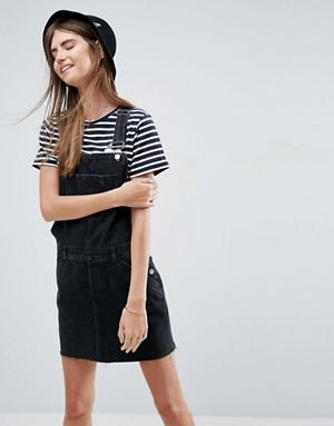 black and white striped t-shirt outfit