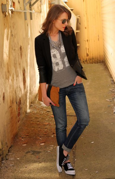 black blazer jeans with gray print and T-cuffs