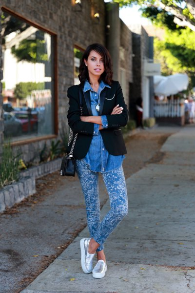 black blazer with blue chambray shirt and silver slip-on shoes