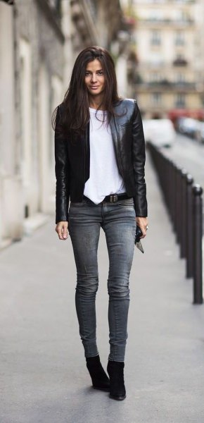 black blazer with gray skinny jeans and suede boots