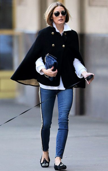 black cape blazer sweater with white shirt and skinny jeans