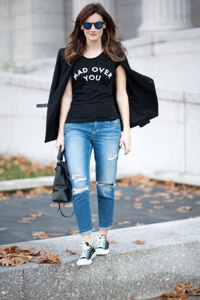 black cool graphic t-shirt with blazer and boyfriend jeans