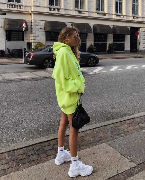 My Favorite 37 Hoodie Outfit Ideas 2020 - LadyFashioniser.c