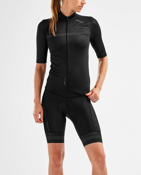 black, half-sleeved cycling shorts with zipper and knee-length pants