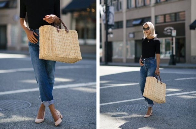 black cut t-shirt with blue jeans with cuffs and beach bag