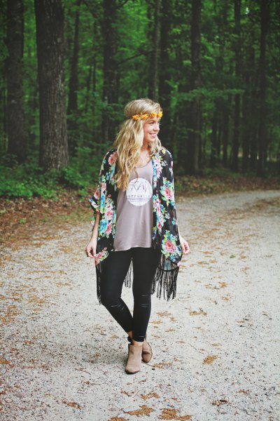 black kimono t-shirts with gray print and floral fringes