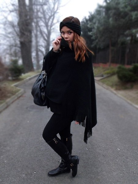 Skinny poncho jeans with black fringes