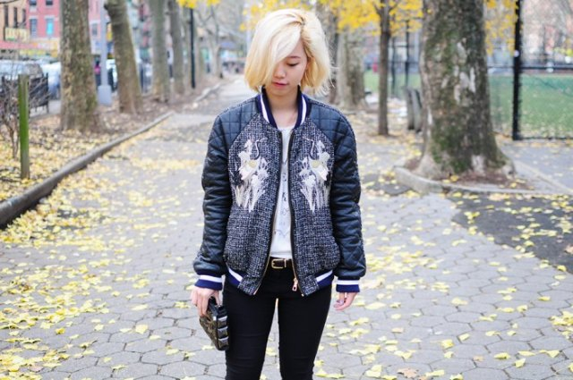 black graphic pilot jacket with skinny jeans