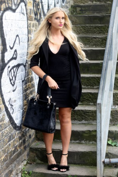 black shift dress with half sleeves and open toes