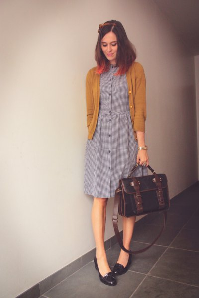 gray shirt with black heels, gray shirt dress with button placket
