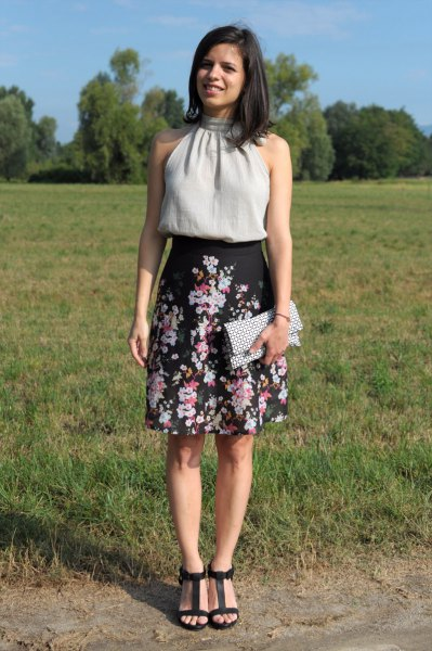 black high-rise floral skirt with lines