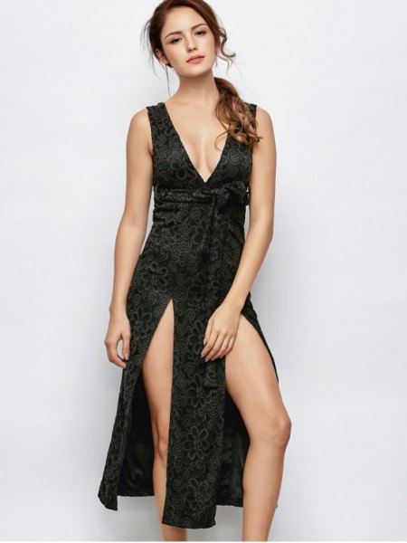 low-cut, double-slit midi dress made of black lace