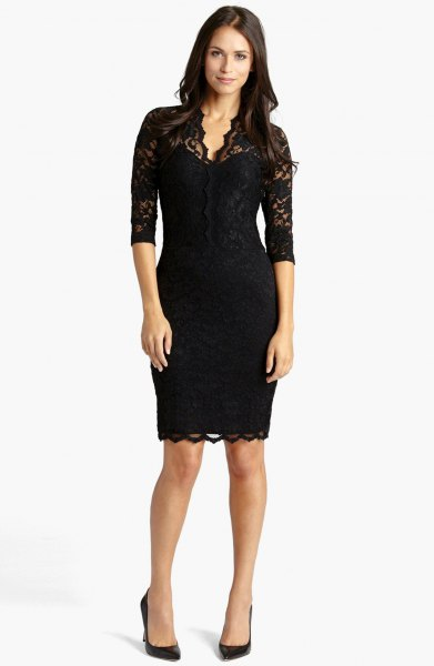 Bodycon midi dress with black lace hem and half-sleeved sleeves