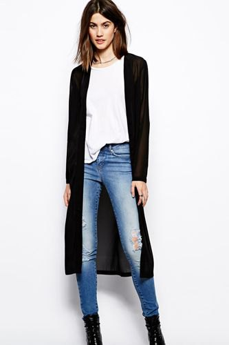black midi cardigan with white t-shirt and blue skinny jeans