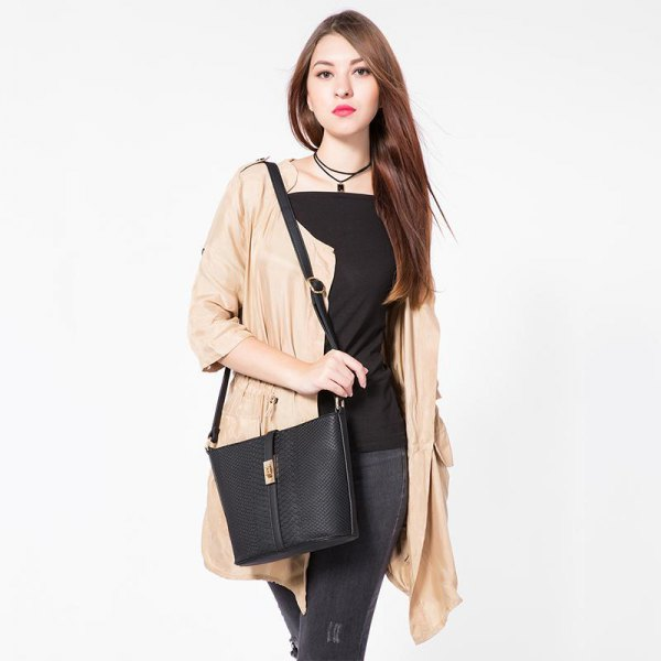Top with black square neckline, blushing cardigan and shoulder bag made of leather