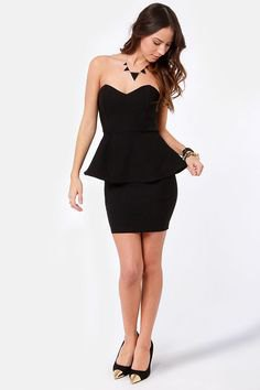black strapless heart-shaped bodycon dress with neckline