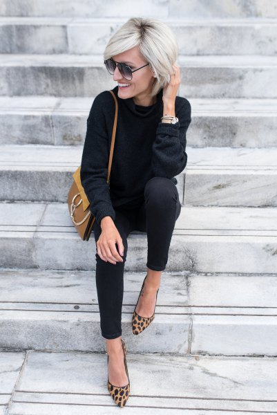 black sweater with matching skinny jeans