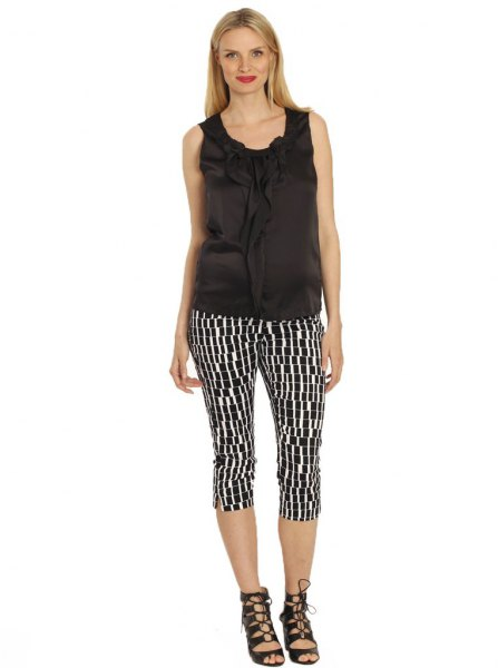 black tank top with printed knee-length tube trousers