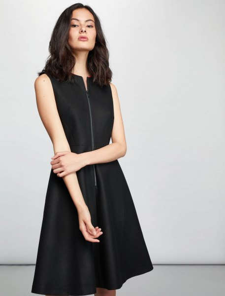 black knee-length wool dress with zipper in the front