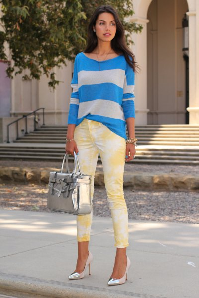 blue-gray striped sweater with skinny jeans printed in yellow