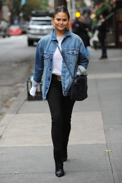 blue denim autumn jacket with white T-shirt and black skinny jeans