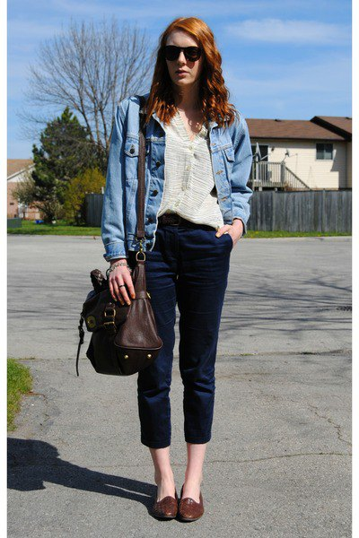 blue denim jacket with black, narrow jeans and brown leather shoes