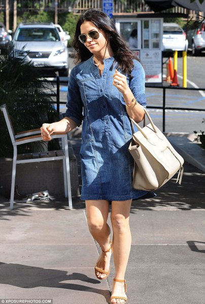 blue jeans tunic with ivory-colored leather handbag