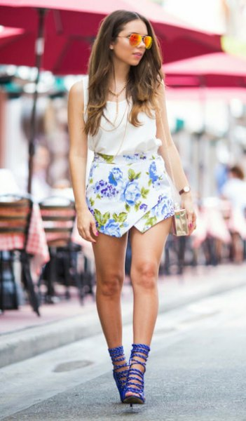 blue strappy sandals, white floral skirt