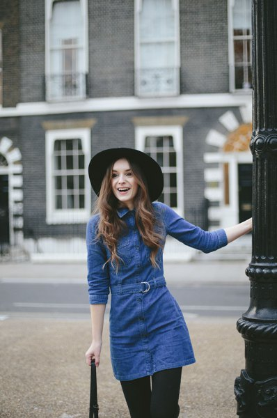 long-sleeved tunic denim dress with blue waist and black leggings