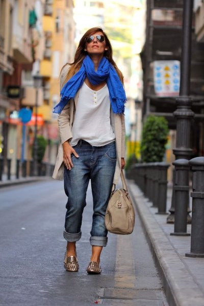 blushing pink longline cardigan with a royal blue scarf and gold sequin slippers